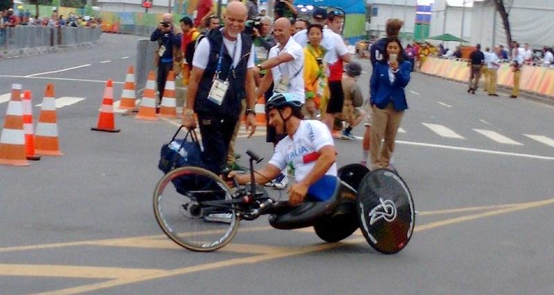 Handbike,_ciclismo_de_estrada_paralimpico_Pontal