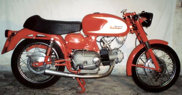 Aermacchi: Vintage motorbike gathering